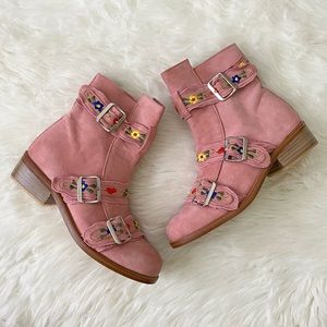 fillyboo - NWOT tambourine booties floral pink